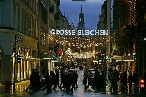 Grosse Bleichen - famous shoppingstreet in the city of hamburg at christmastime - hamburg, germany, europa,