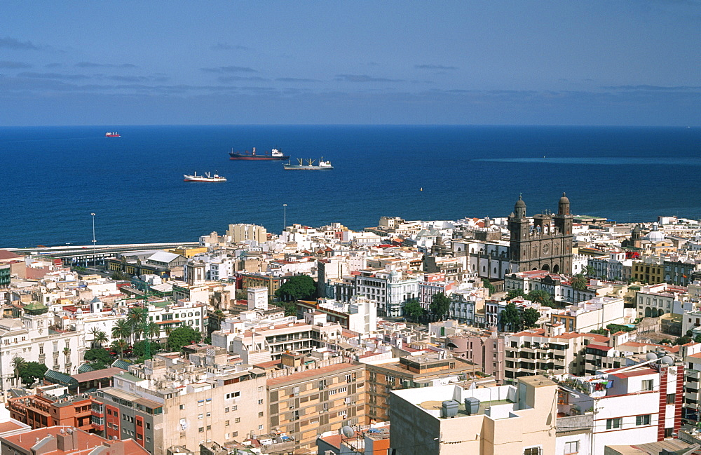 View of the Cathedral at the Plaza Santa Ana, Las Palmas, Gran Canaria, Canary Islands, Spain