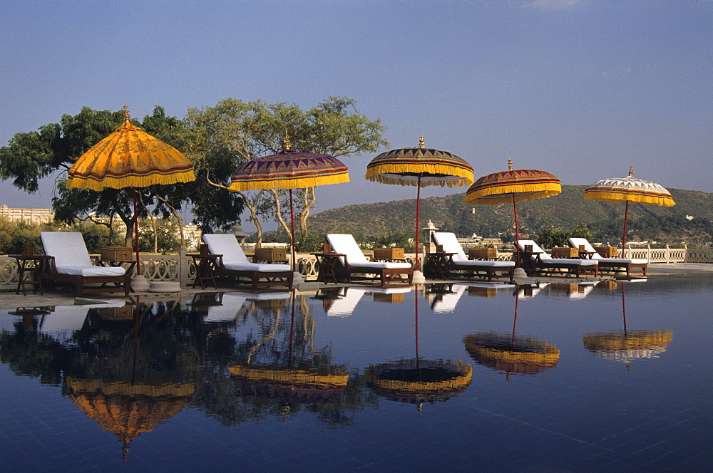 IND; India, Udaipur : Luxury Hotel resort of the Oberoi group. Udaivilas at the Pichola lake. . One of many swimming pools. |