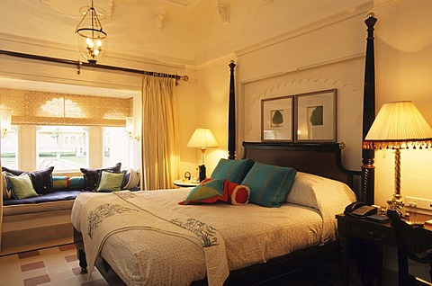 IND; India, Udaipur : Luxury Hotel resort of the Oberoi group. Udaivilas at the Pichola lake. Junior Suite. | - 832-313353