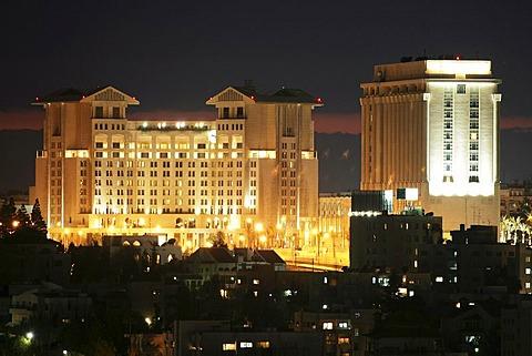 JOR, Jordan, Amman: left, Sheraton Hotel Amman, Four Season Hotel. |