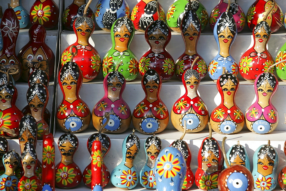 TUR, Turkey, Alanya : Turkish Riviera. Souvenir shops at the Ic Kale Fort, above the city of Alanya. Painted, dried pumpkins