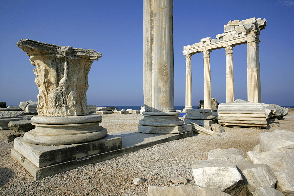 TUR Turkey Side : Turkish riviera, Ruins of the Apollon Temple. |