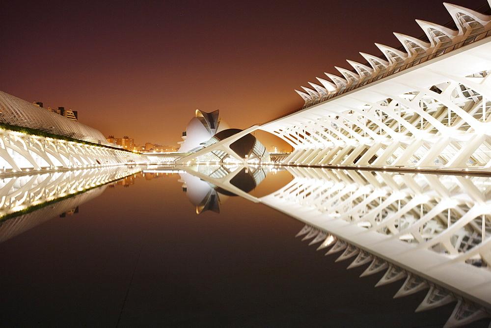 ESP, Spain, Valencia : Ciudad de las Artes Y de las Ciencias, City of arts and sciences. L'Hemisferic, Palau de les Arts Reina Sofia, Museo de las Ciencias Principe Felipe