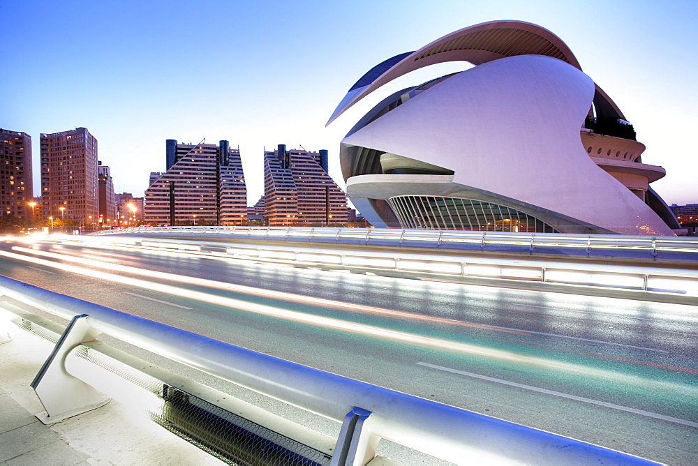 ESP, Spain, Valencia : Ciudad de las Artes Y de las Ciencias, City of arts and sciences. Palau de les Arts Reina Sofia.