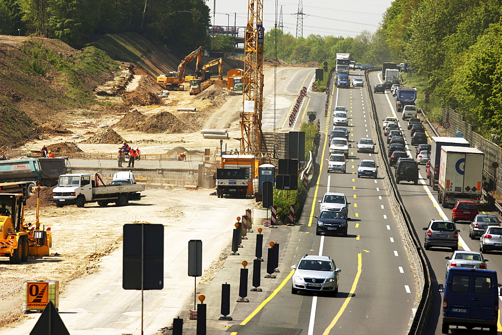 Highway construction site widening the motorway A40/B1 to 6 lanes, Ruhrschnellweg, near Dortmund, North Rhine-Westphalia, Germany, Europe
