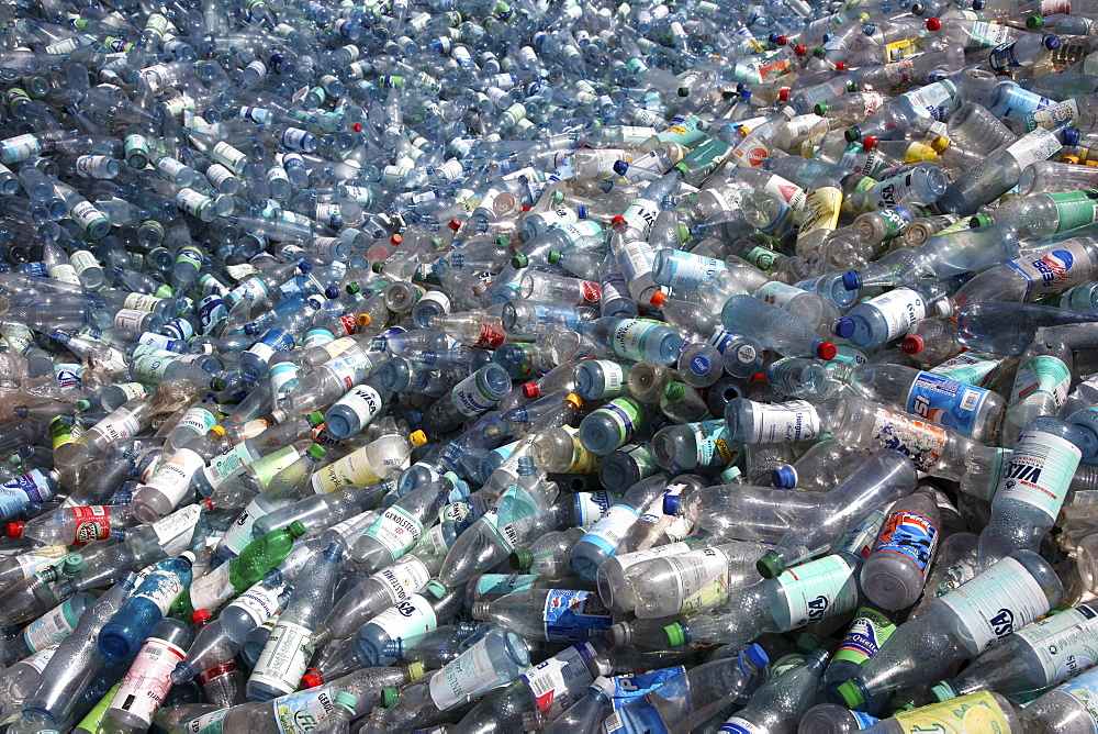 Plastic recycling, PET bottles and plastic rubbish are shredded and pressed, Essen, North Rhine-Westphalia, Germany, Europe - 832-315853