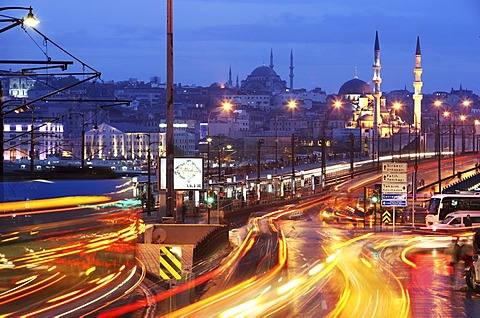 Galata Bridge over the Golden Horn, two-storied road bridge, traffic above, bars and restaurants below, Istanbul, Turkey - 832-315893