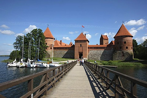 Bridge towards Trakai Island Castle, landmark of Lithuania, Trakai, Lithuania, Baltic States, Northeastern Europe