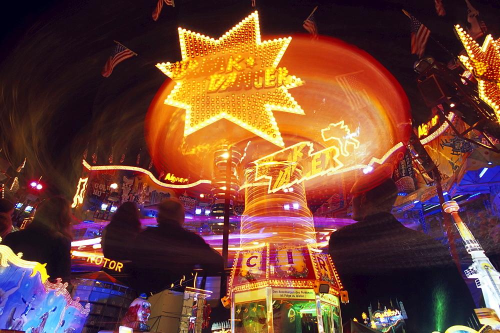 Amusement ride at Oktoberfest (Octoberfest Munich Beer Festival), Munich, Bavaria, Germany, Europe