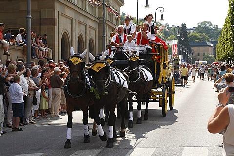Historical parade, stage coach, Rakoczi Festival, Bad Kissingen, Rhoen, Lower Franconia, Bavaria, Germany, Europe