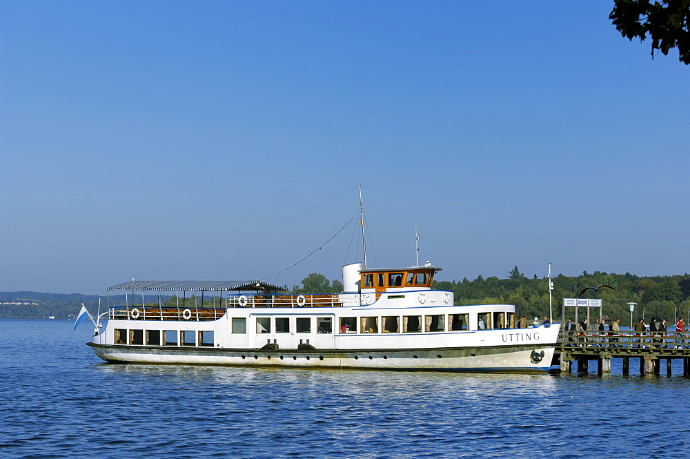 Passenger steamship Utting, Ammersee, landing stage Herrsching, Upper Bavaria, Germany