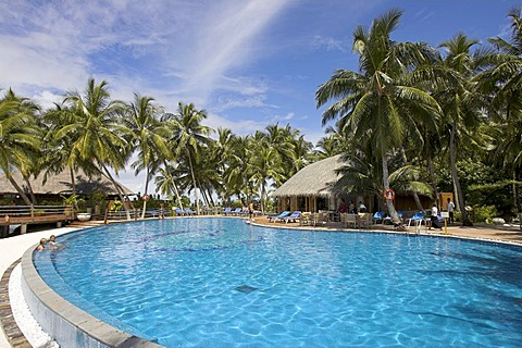 Swimming pool at Vilureef Resort, Maledives