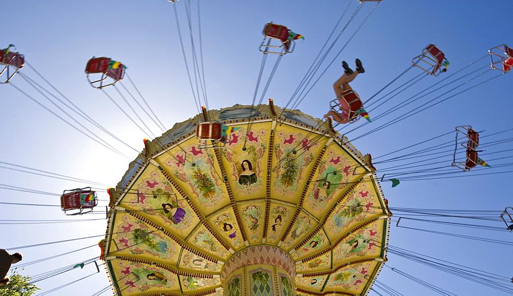 Chain carousel, traditional Waeldchestag, Frankfurt, Hesse, Germany, Europe