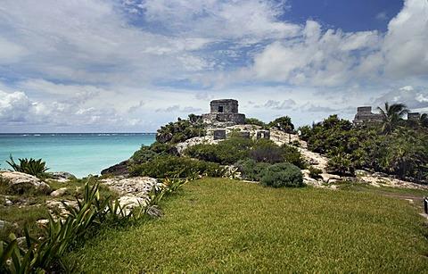 Maya, El Castillo, Pyramid in Tulum, Tulum, Quintana Roo, Yucatan, Mexico