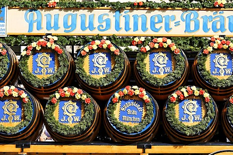 Traditional opening parade, Oktoberfest, Munich beer festival, Bavaria, Germany