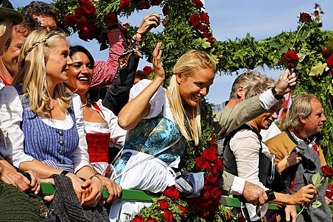 Traditional opening parade, Oktoberfest, Munich beer festival, Bavaria, Germany - 832-336589