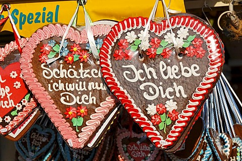 Gingerbread hearts, Oktoberfest, Munich beer festival, Bavaria, Germany