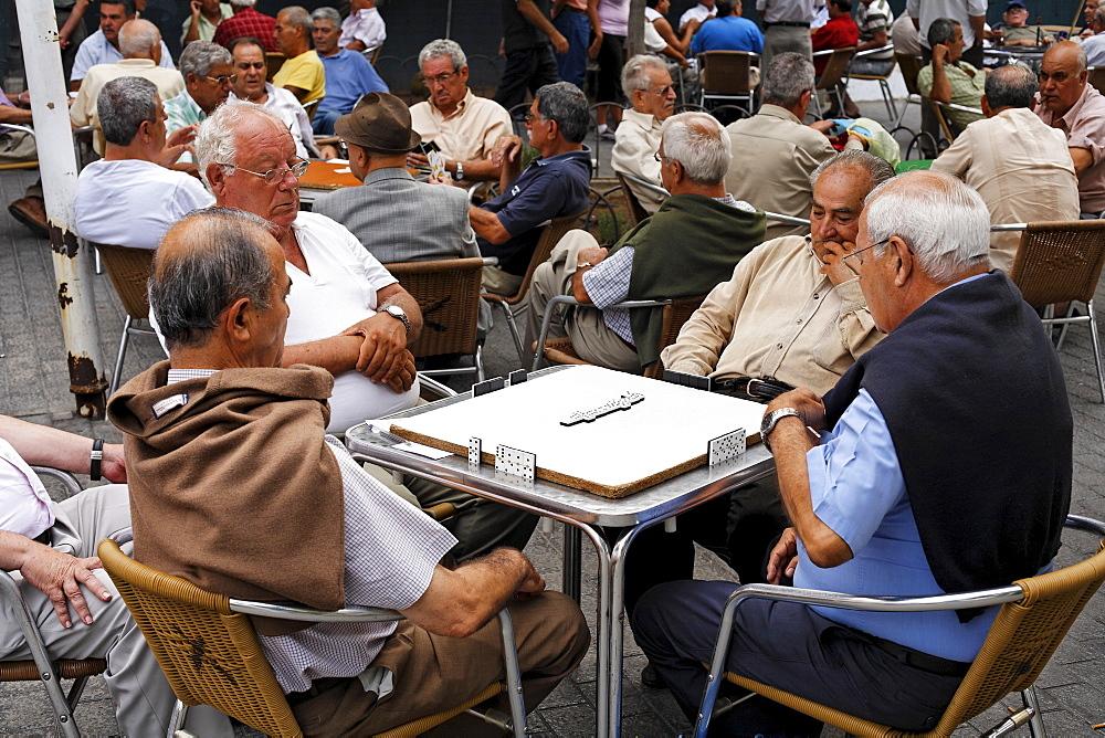 Domino players, Catalina Park, Parque Santa Catalina, Las Palmas de Gran Canaria, Spain