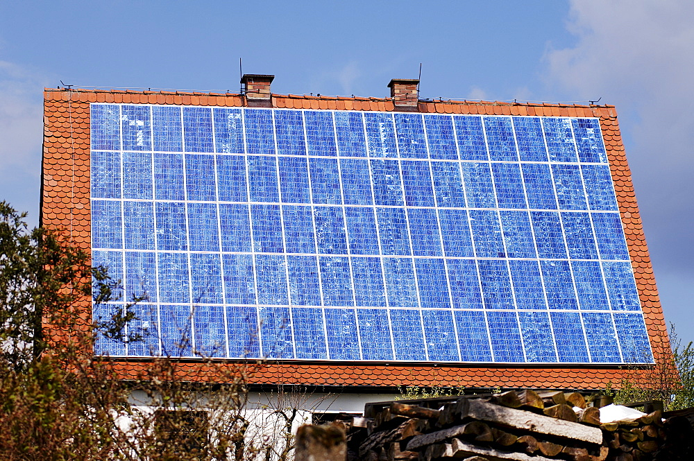 Photovoltaics, solar panel on a roof, Guenthersbuehl, Middle Franconia, Bavaria, Germany, Europe