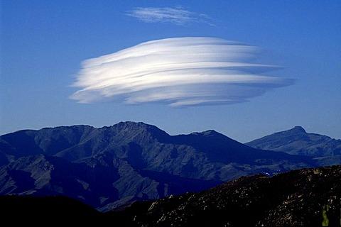 Foehn cloud, Montemaggiore, Corsica, France