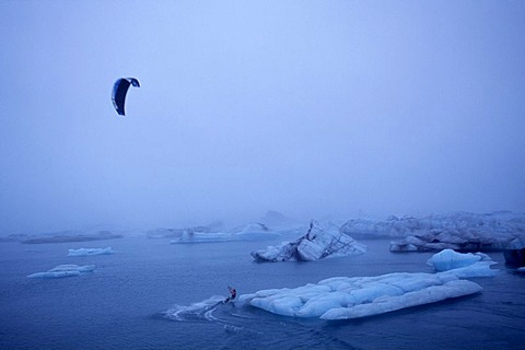 Kitesurfer, Joekursarlon, Iceland