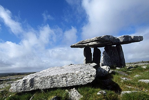 Puolnabrone dolmen, Hollow of the Millstone, County Clare, Ireland