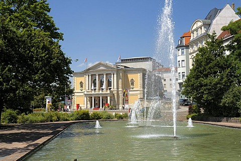 Fountain in front of the opera house, Universitaetsring, Halle/Saale, Saxony-Anhalt, Germany, Europe
