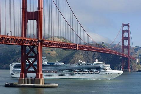 Golden Gate Bridge, cruise ship Sapphire Princess, San Francisco, California, USA