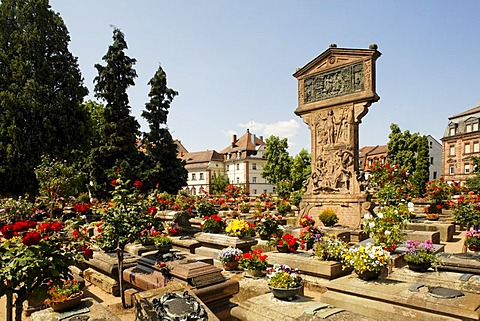 Graves in the Johannis graveyard, St. Johannis area, Nuremberg, Middle Franconia, Bavaria, Germany, Europe