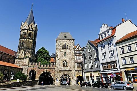 Nikolaitor Gate and Nikolaikirche Church at Karlsplatz Square in Eisenach, Thuringia, Germany, Europe