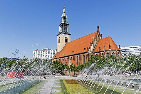 Fountain and Marienkirche Church, Alexanderplatz Square, Berlin-Mitte, Germany, Europe