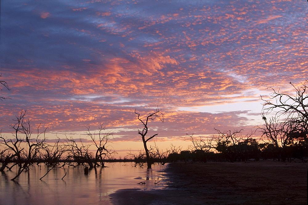 Sunrise over Lake Pamamaroo, Kinchega National Park, New South Wales, Australia, Oceania