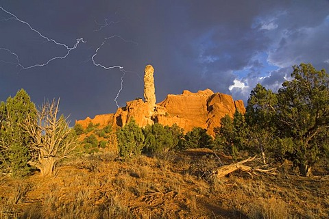 Stormy atmosphere above the Finger Rock in the Kodachrome Basin State Park, Utah, USA, North America