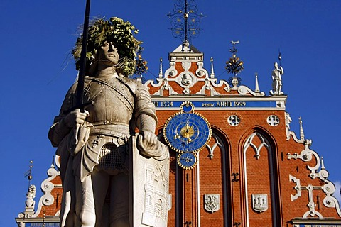 Roland statue in front of the House of the Blackheads at the Town Hall Square in Riga, Latvia, Baltic states