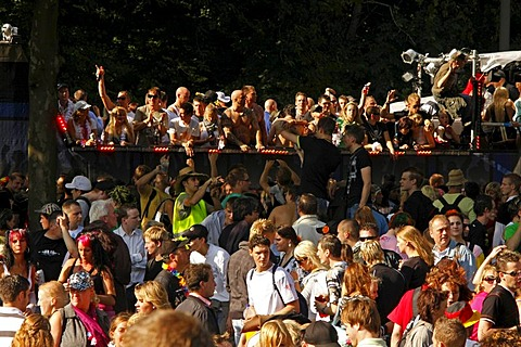 Techno fans during the Highway to Love 2008 Love Parade in Dortmund, North Rhine-Westphalia, Germany, Europe