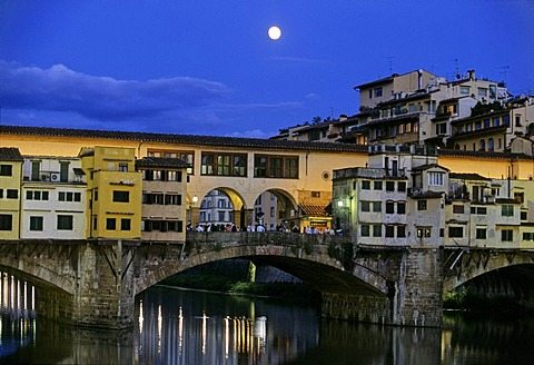Arno River, Ponte Vecchio, full moon, Florence, Firenze, Tuscany, Italy, Europe