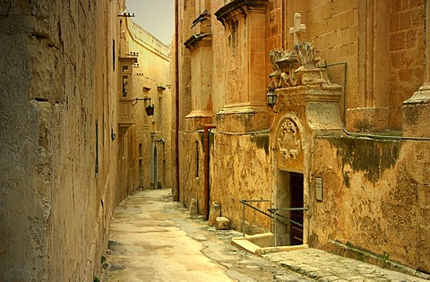 Lane in the old part of Mdina