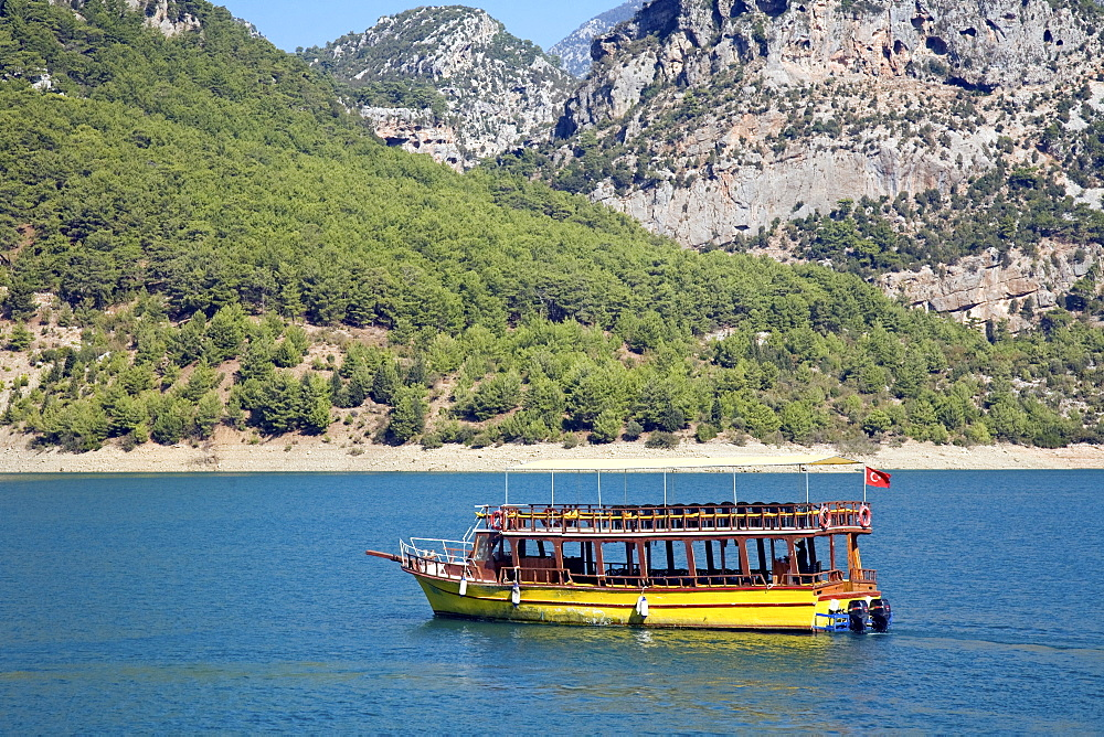 Tour boat at Green Canyon, Oymapinar Dam, Manavgat River in the mountains between Antalya and Alanya, Turkish Riviera, southern Turkey, Middle East, Asia
