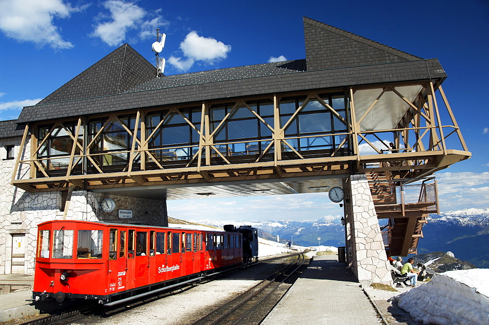The Schafbergbahn, cog railway on the Schafberg mountain, station on the peak, Salzburg, Austria, Europe