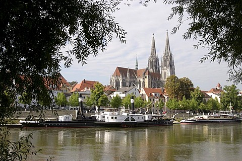 View over river Donau to the Regensburg cathedral, Bavaria, Germany