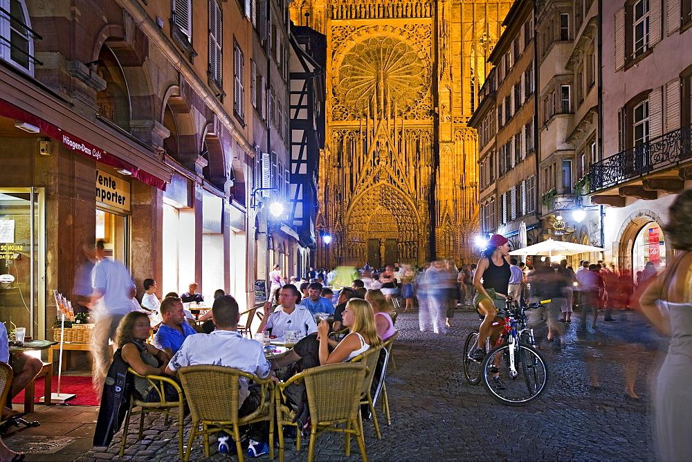 Rue Merciere, west gate, Strasbourg Cathedral, Strasbourg, Alsace, France, Europe