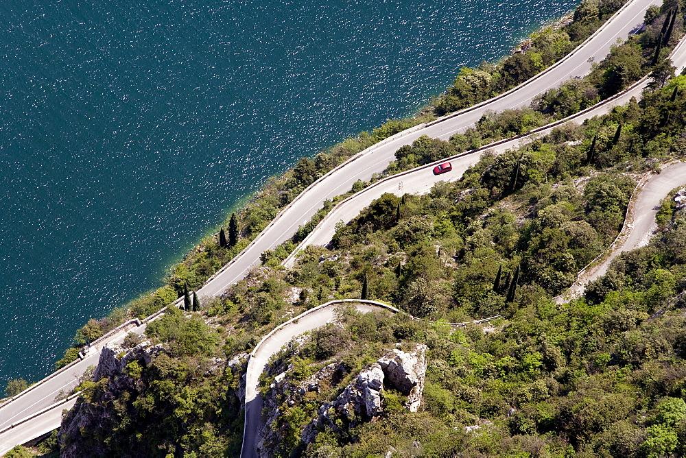Serpentines, Pieve, Tremosine, Lake Garda, Lombardy, Italy, Europe