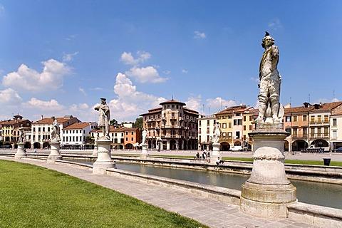 Prato della Valle Square, Padua, Veneto, Italy, Europe
