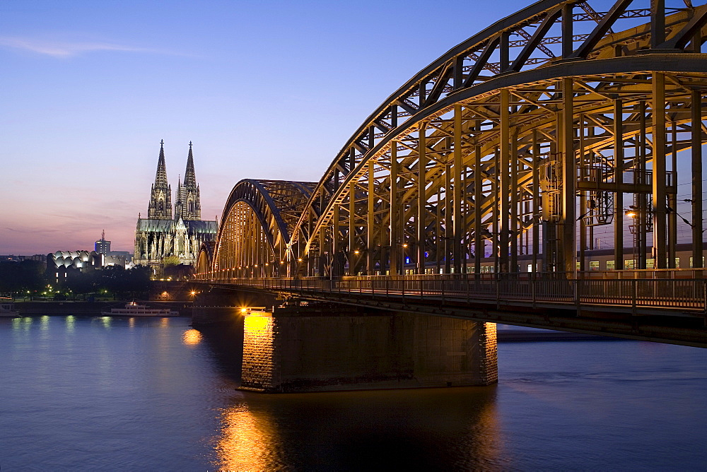 Hohenzollernbruecke Bridge, Rhine River, Cologne Cathedral, North Rhine-Westphalia, Germany, Europe