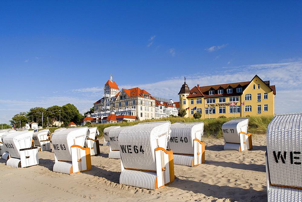Beach chairs on the beach, Kuehlungsborn, Baltic Sea, Mecklenburg-Western Pomerania, Germany, Europe