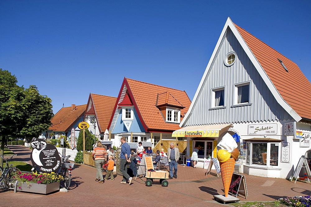 Boltenhagen Promenade, Baltic Sea, Mecklenburg-Western Pomerania, Germany, Europe