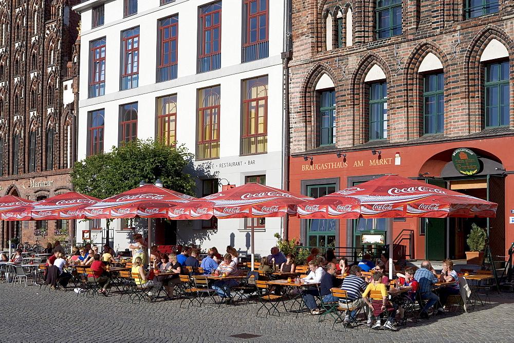Cafes on Marktplatz Square, Greifswald, Mecklenburg-Western Pomerania, Germany, Europe