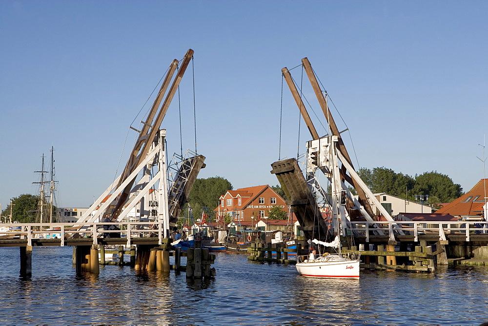 Trestle Bridge, Dutch style wooden bridge, Greifswald-Wieck, Baltic Sea, Mecklenburg-Western Pomerania, Germany, Europe