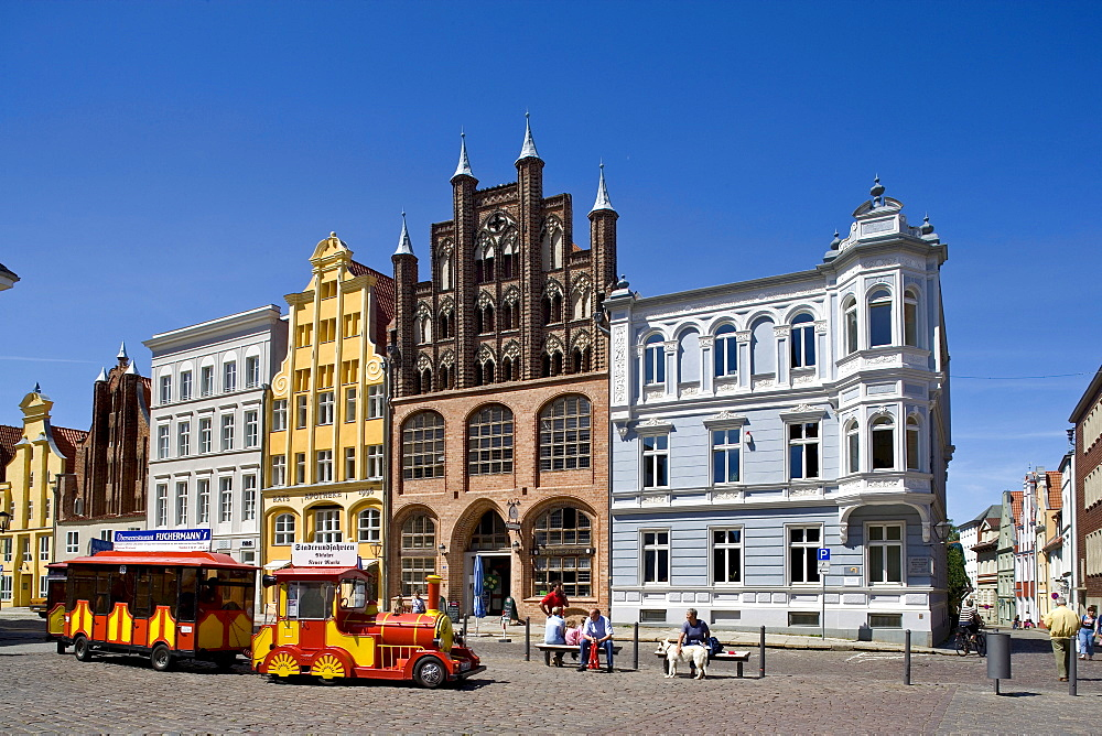 Gable houses on the Alter Markt Square, Stralsund, Baltic Sea, Mecklenburg-Western Pomerania, Germany, Europe